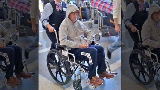 eric clapton tekerlekli sandalye ile