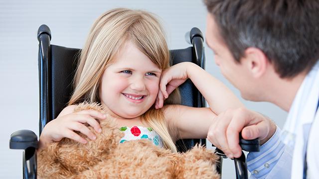 tekerlekli sandalyeli çocuk odası