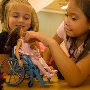 Tekerlekli Sandalye Kullanan Çocuklarda En Etkili Terapilerden Biri Oyun