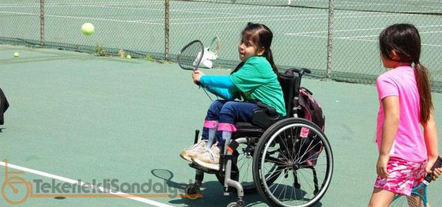 tekerlekli sandalye ile tenis