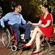 Tekerlekli Sandalye Kullanan Engelli Biri ile İlişki