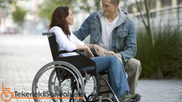 tekerlekli sandalyeli ile evlilik
